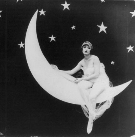 The Girl in the Moon, 1923